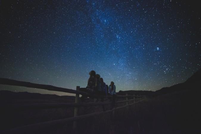 star-gazing-1149228_1920